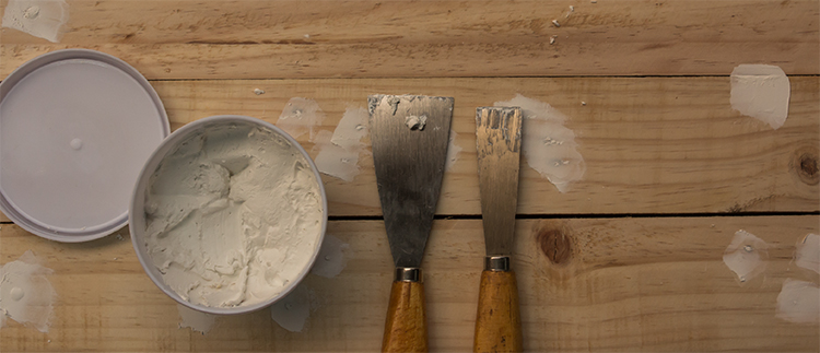 Comment réparer le bois : mastic - durcisseur- pate à bois ? 123habitat